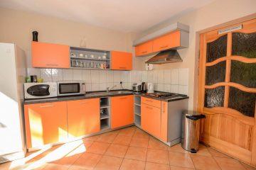 GuestHouse777-virtuve-2.jpg